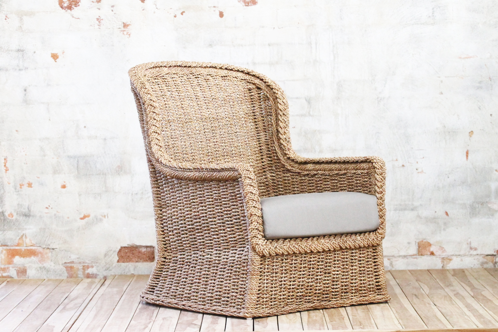 Rope wing chair
