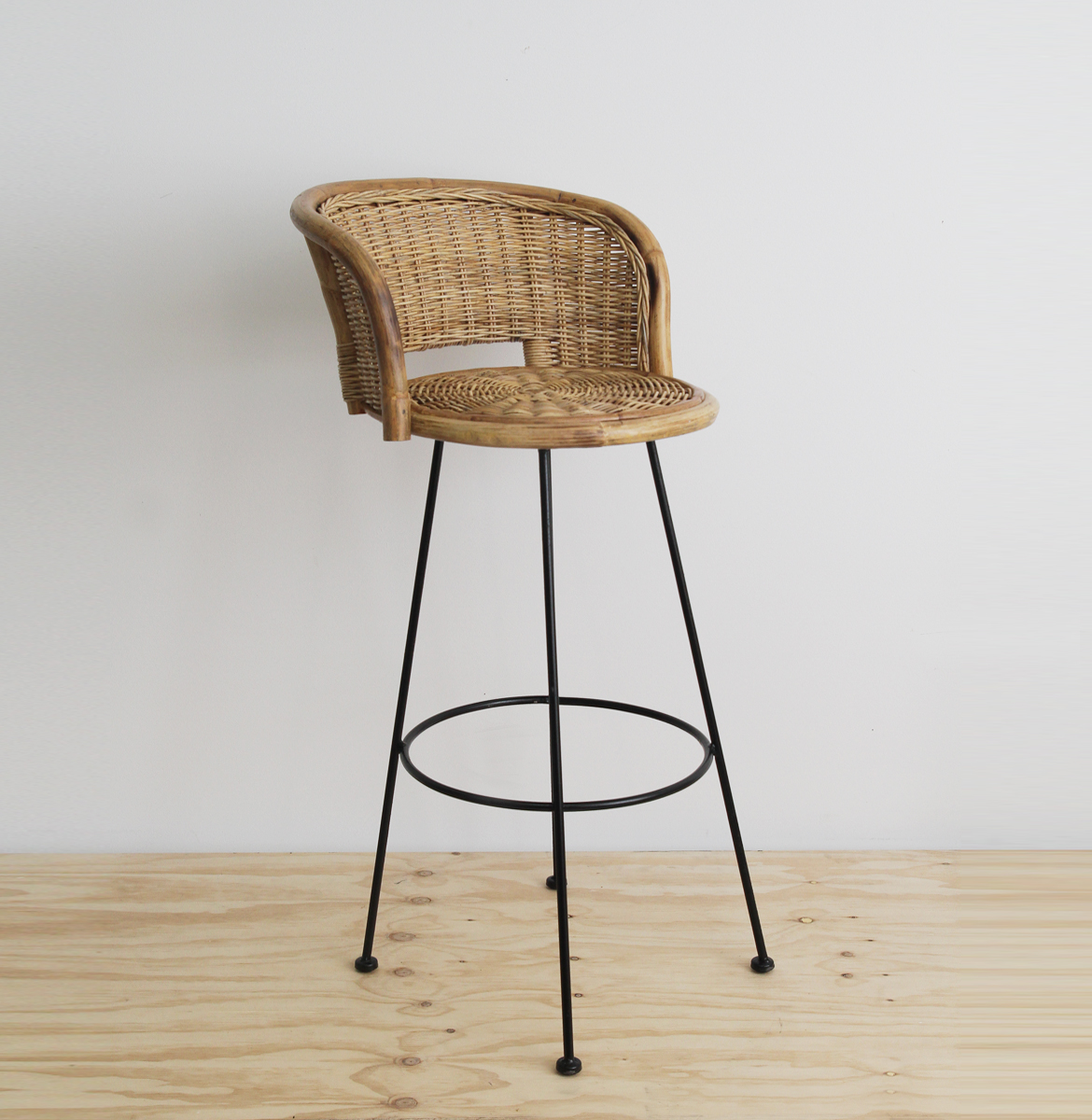 Sake barstool wicker and iron
