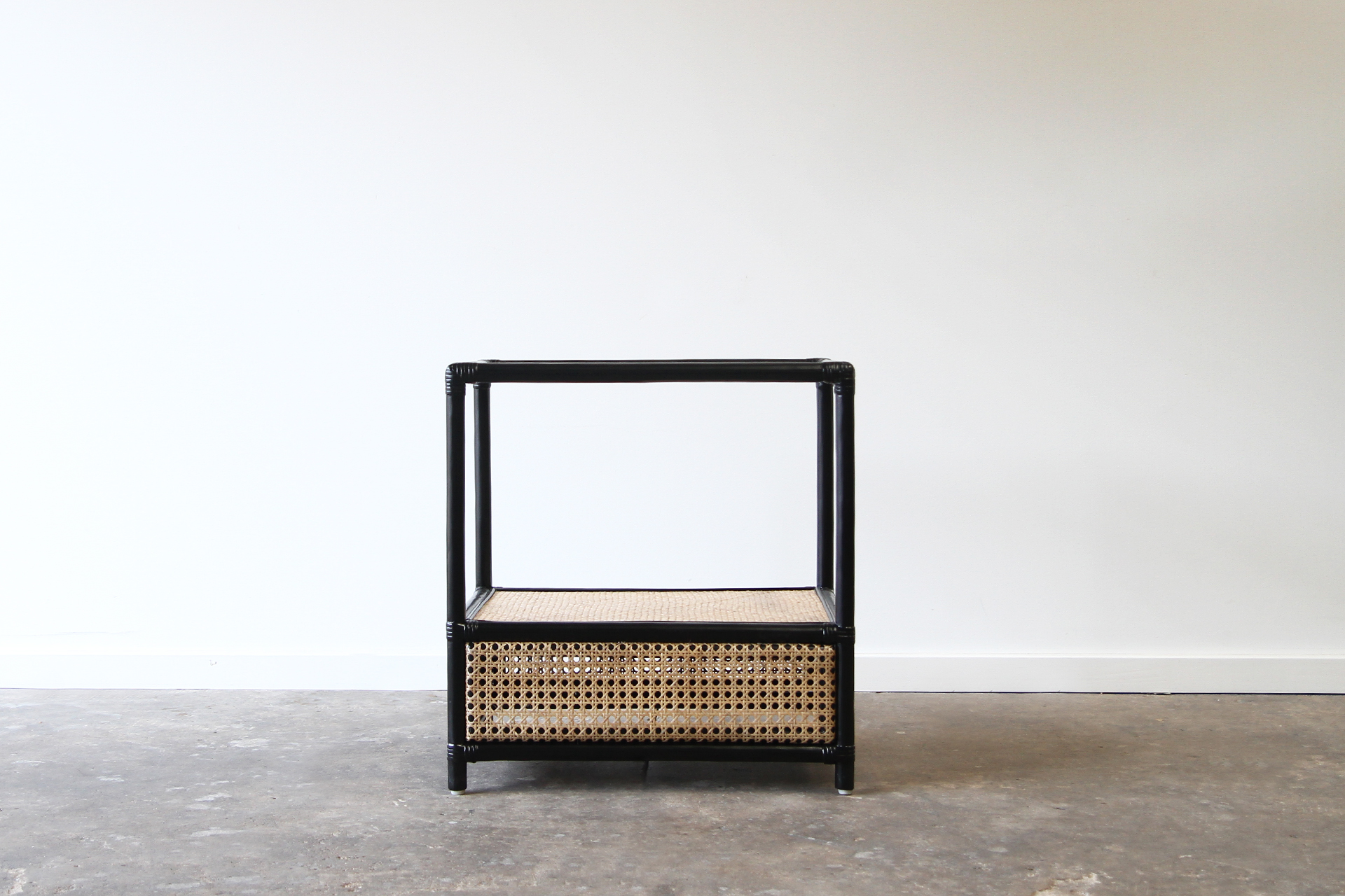 Berg re side table rattan commercial furniture supplier for Table bergere