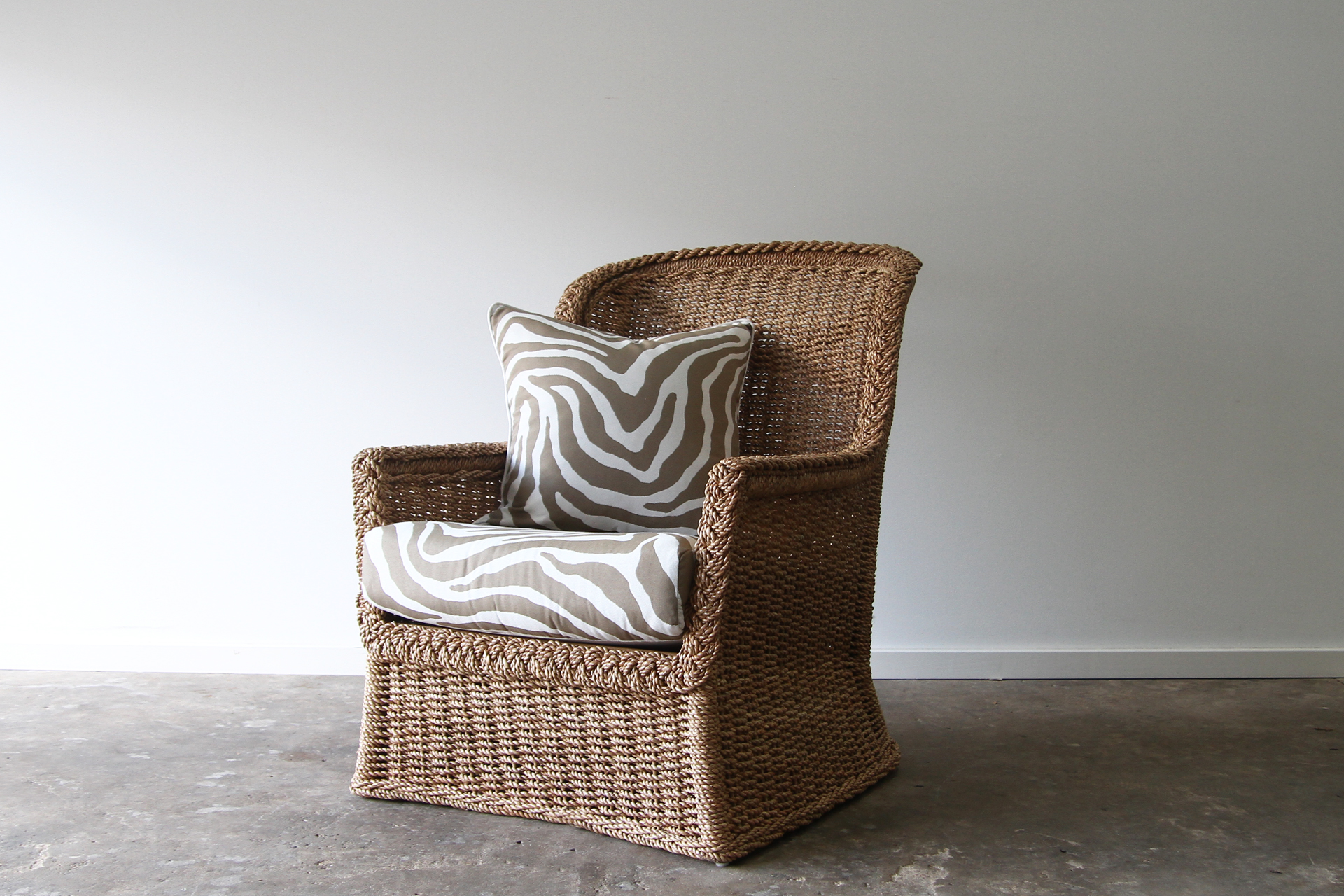 Rope twist armchair