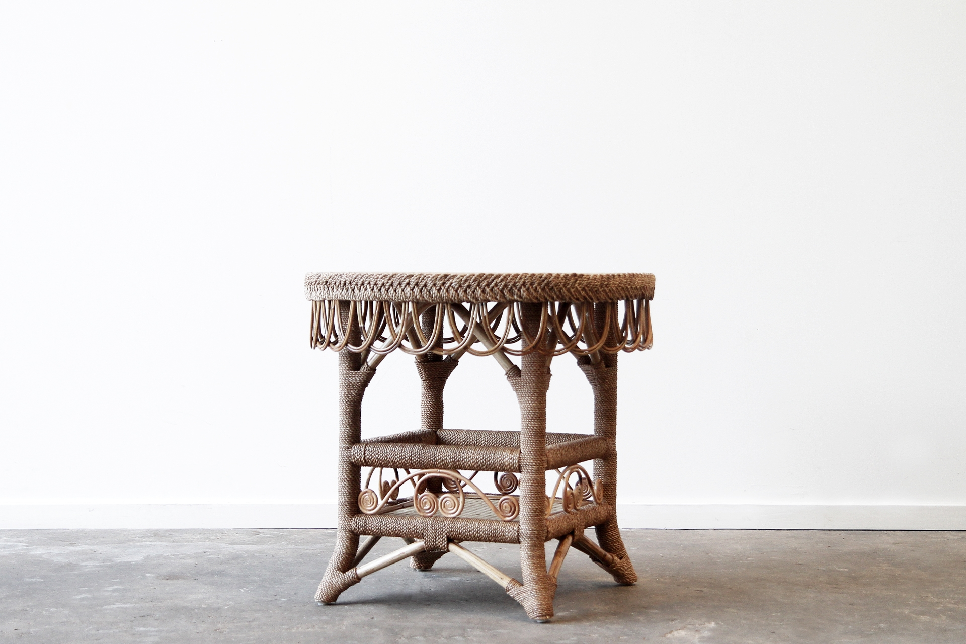 Rope rattan table